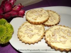 Tartaletki serowe z orzeszkami pini