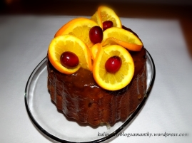 Babka z żurawiną w sosie pomarańczowym