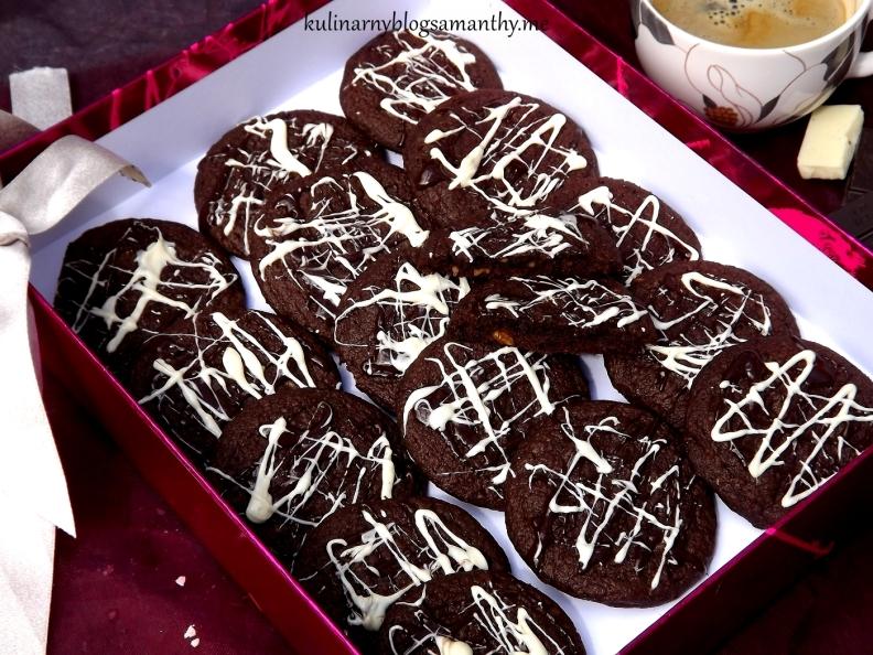 Ciastka czekoladowo-karmelowe z orzechami