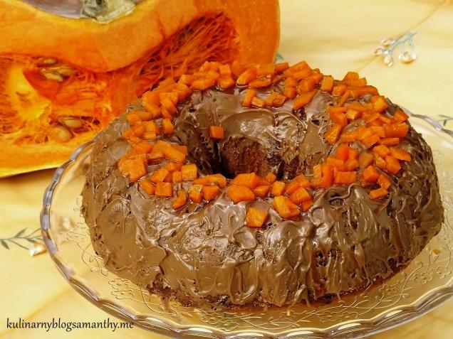 Babka dyniowa z czekoladą