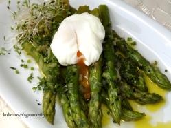 Szparagi w sosie vinaigrette