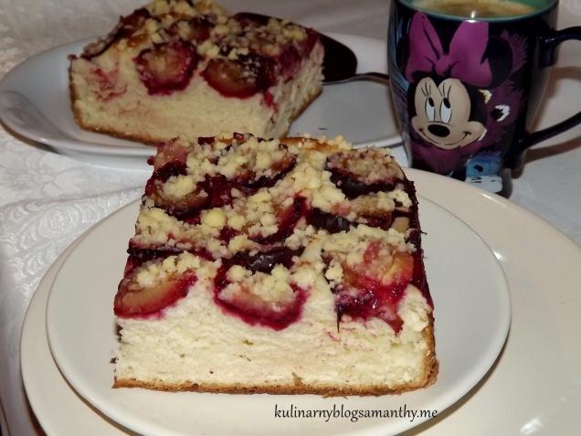 Ciasto drożdżowe ze sliwkami