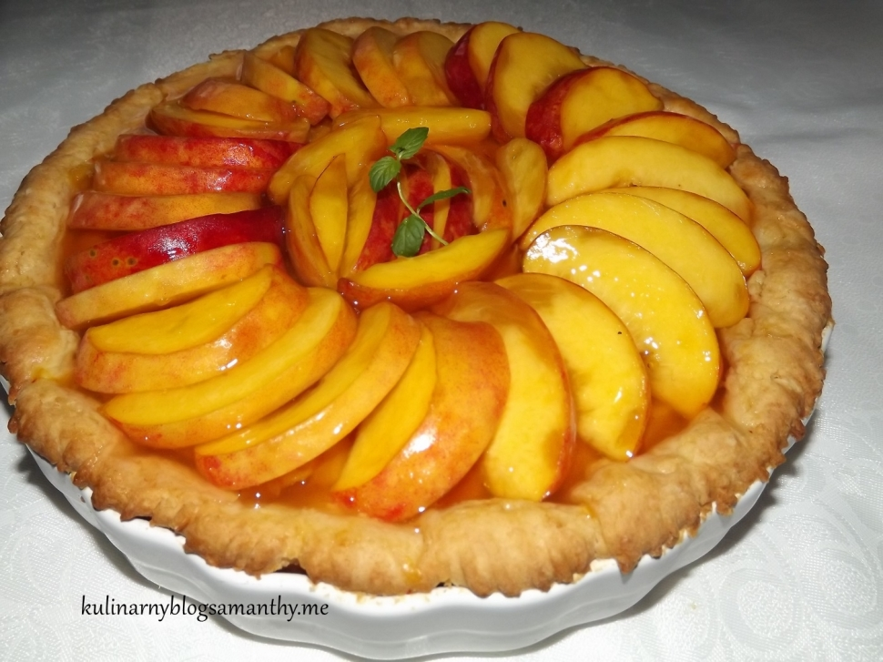 Tarta z brzoskwiniami w galaretce