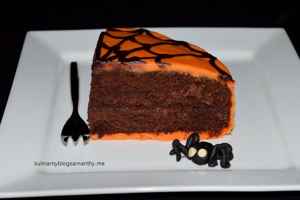 Tort z pająkiem na Halloween