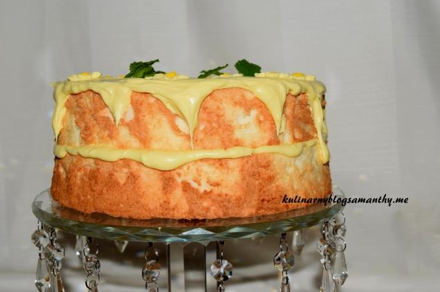 Biały tort cytrynowy