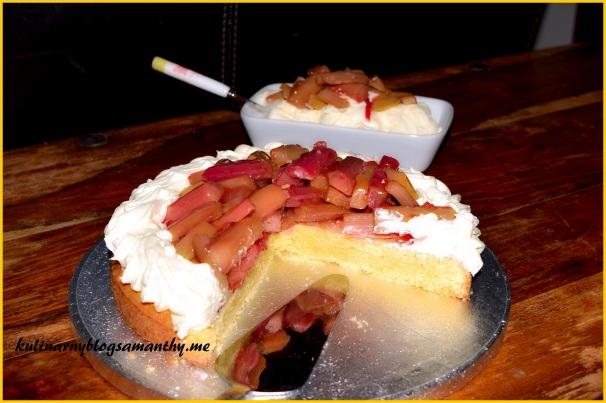 Ciasto deserowe z rabarbarem