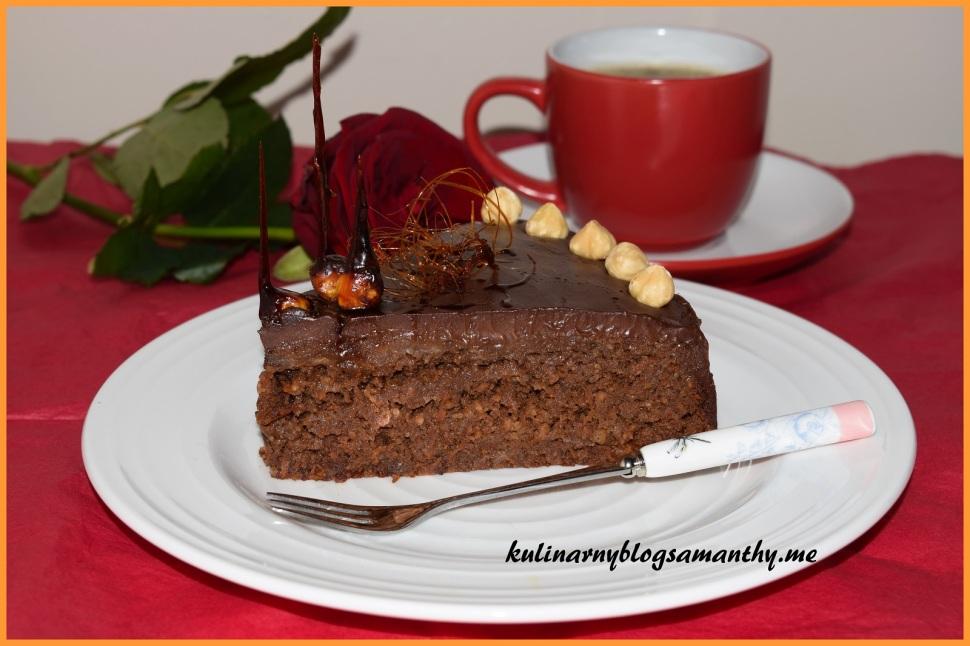 Tort czekoladowo marchwiowy