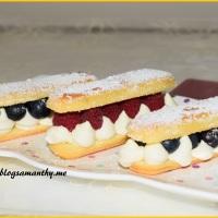 Eklerki biszkoptowe z owocami