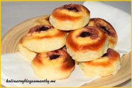 Bułeczki z serem i wisniami