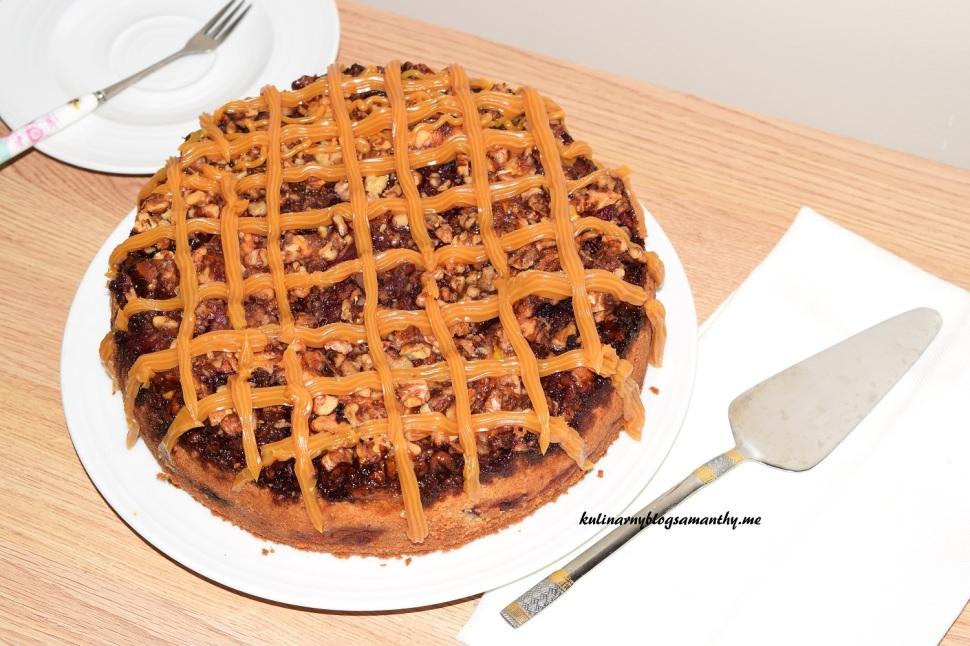 Ciasto orzechowo-karmelowe ze sliwkami