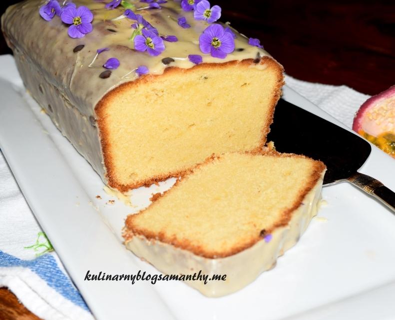 Ciasto z białą czekoladą i marakują