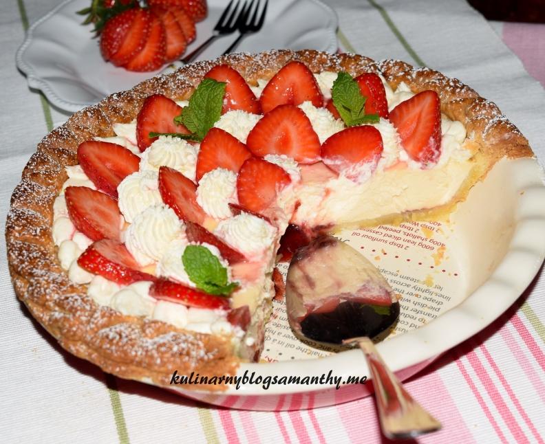 Tarta z serem i truskawkami