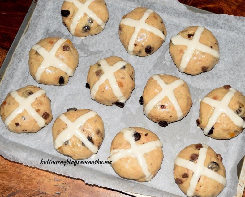 Bułeczki z krzyżem