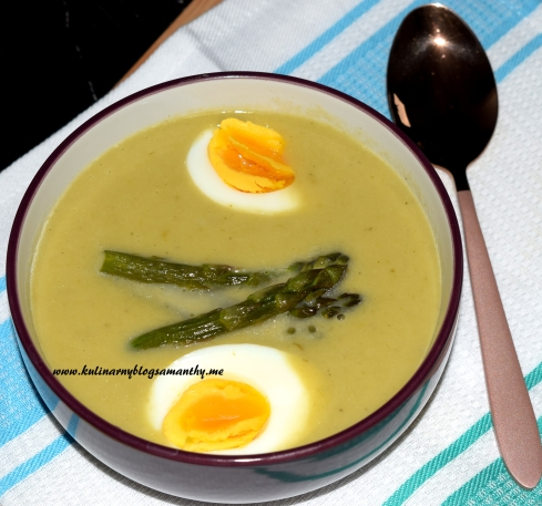 Zupa krem ze szparagów z szafranem
