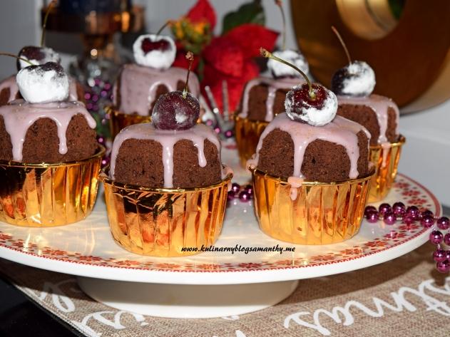 Muffinki czekoladowe z wisniami
