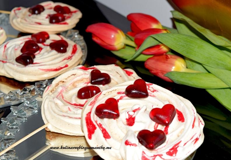 Bezowe lizaki dla Walentynki