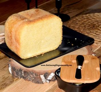 Chleb tostowy z maszyny