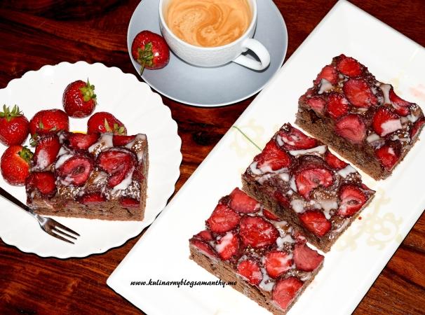 Ciasto kakaowe z truskawkami