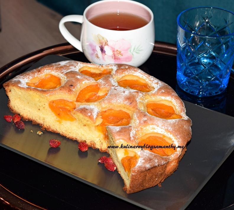 Ciasto z białą czekoladą i morelami