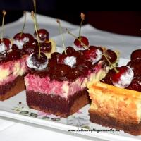 Sernikobrownie z wisniami w czekoladzie