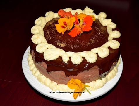 Tort czekoladowy z kremem adwokatowym